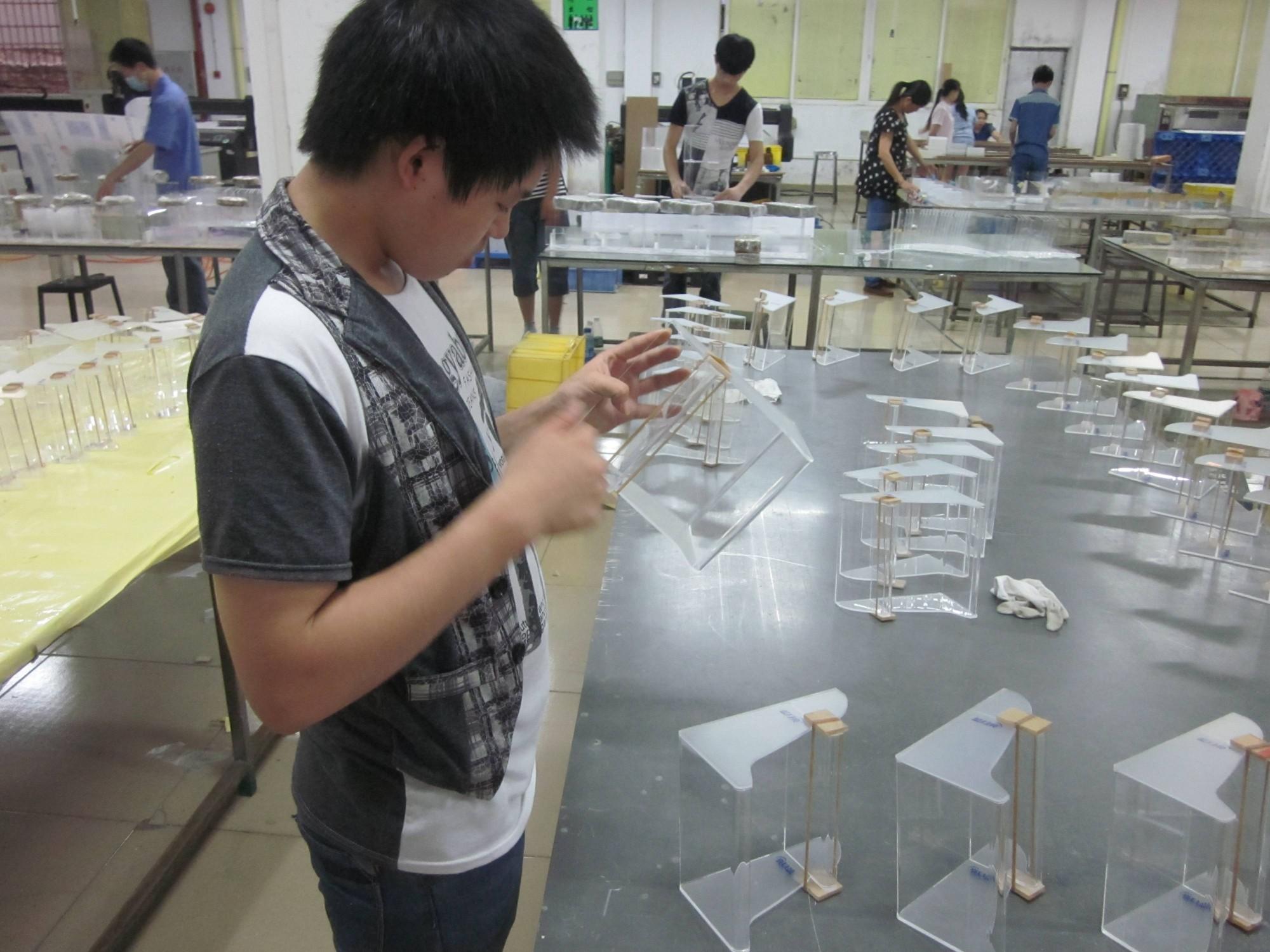 韩国工艺礼品商从我司定制5000个透明亚克力盒子展示盒