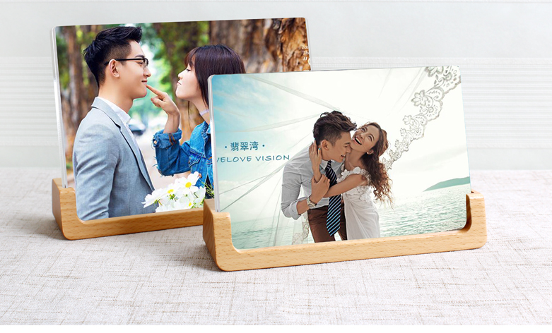 郑州非凡亚克力相框厂家制作,亚克力相框制作价格实惠.