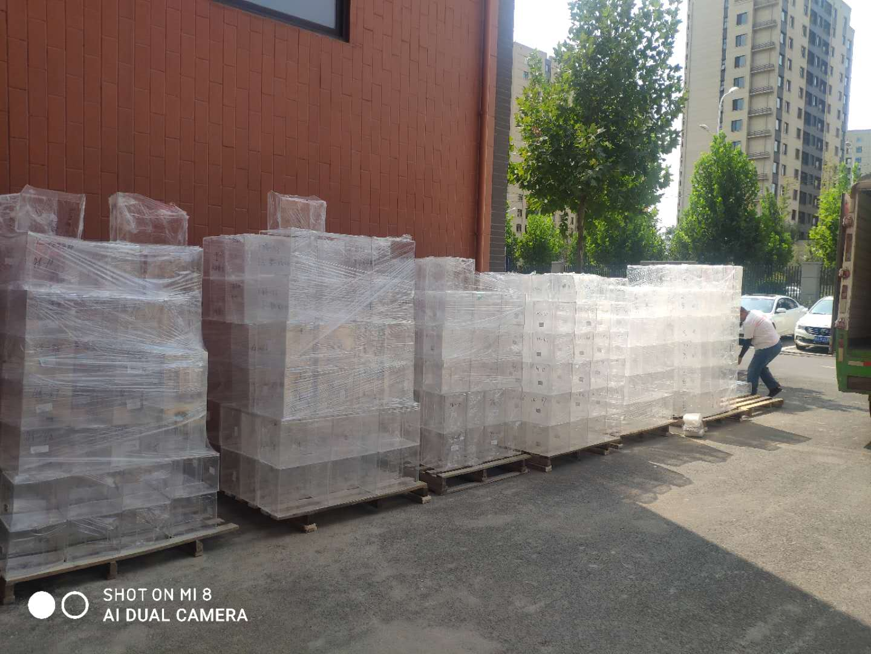 郑州非凡亚克力厂家为商场制作亚克力展架